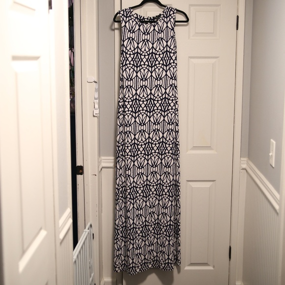 Tart Dresses & Skirts - TART MAXI DRESS SIZE LARGE